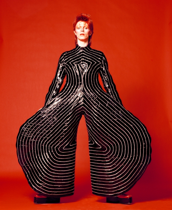Macacão usado na turnê de Aladdin Sane, em 1973 | Cortesia The David Bowie Archive Imagem © Victoria and Albert Museum