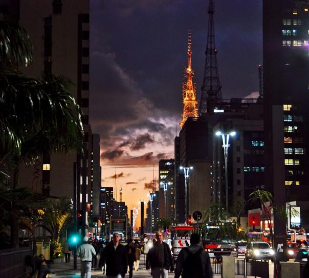 Avenida Paulista, um dos logradouros mais importantes do município de São Paulp.