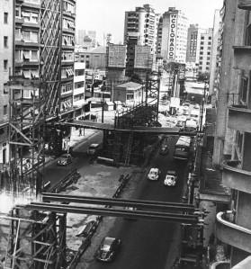 A construção do elevado em abril de 1970. Arquivo/Estadão