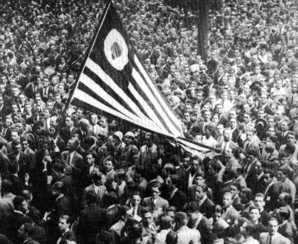Na historia do Brasil, a década de 30 foi marcada por transformações políticas e sociais.