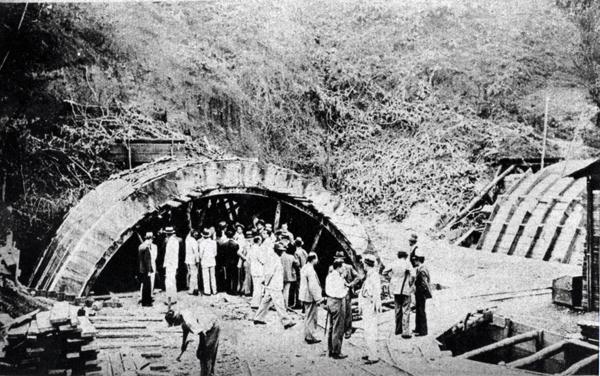 Túnel em construção, 1937. Foto: Marco Barbosa/Estadão