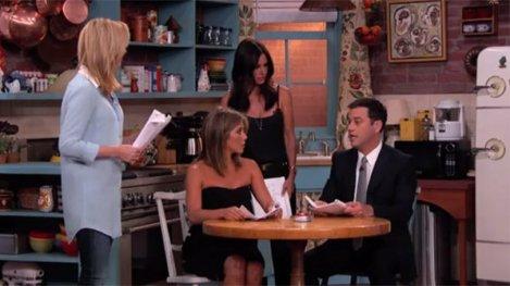 Courteney-Cox-Monica-Jennifer-Aniston-Rachel-e-Lisa-Kudrow-Phoebe-fazem-esquete-sobre-Friends-no-talk-show-de-Jimmy-Kimmel-na-ABC-size-598
