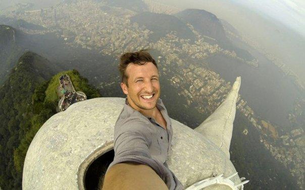 christ-brazil-selfie-ftr
