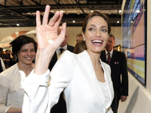 A atriz Angelina Jolie pode entrar para política (Foto: EFE/Facundo Arrizabalaga)
