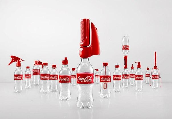 Para amenizar a pressão por parte do ambientalistas, a Coca-Cola lançou tampas multi-uso que podem ser utilizadas após o consumo do produto.