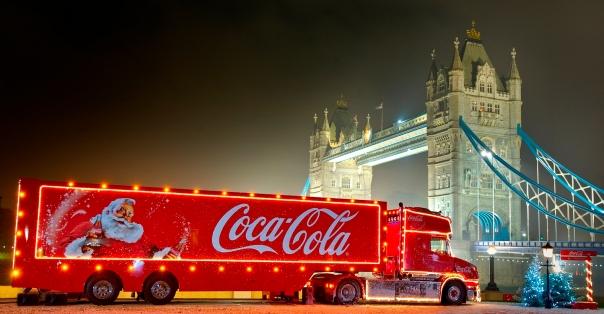 Coca-Cola é praticamente sinônimo de Natal - época de grande consumo.