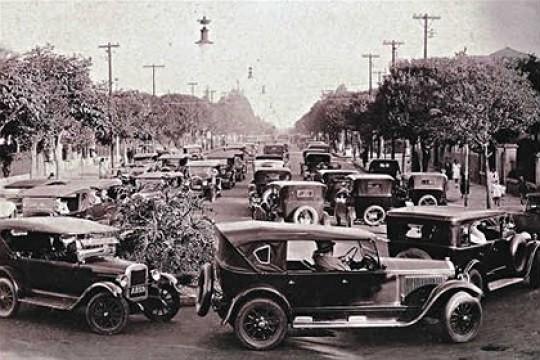 Em 1927: trânsito nos dois sentidos (Foto: Reprodução)