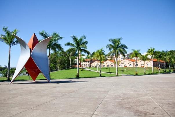 Garacuí, monumento de Tomie Ohtake